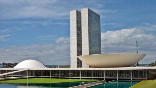 04-Brasilia_Congresso_Nacional_05_2007_221-600x340
