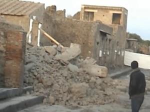 Pompei-dopo-il-crollo-300x225