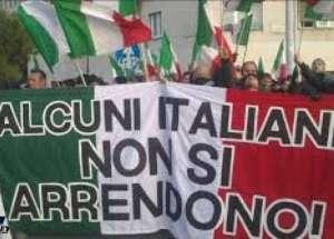 img1024-700_dettaglio2_Forconi-entrata-Parlamento
