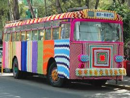 autobus_crowdknitting--400x300