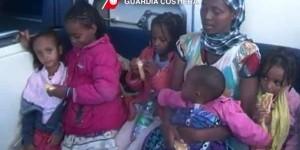 immigrati-donne-bambini-sbarchi-lampedusa-600x300