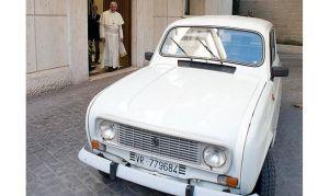 Renault-R4-Papa-Francesco